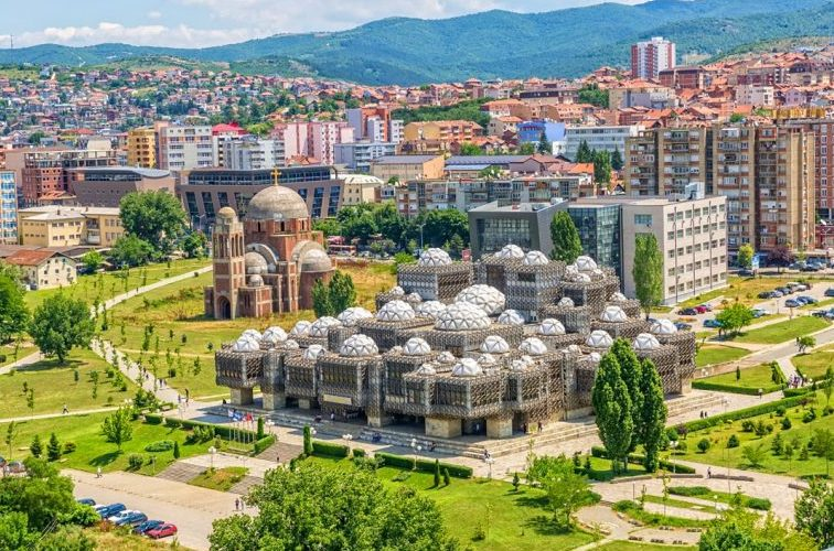 Pandemia mbyll bizneset, rritet numri i familjeve të varfëra në Kosovë