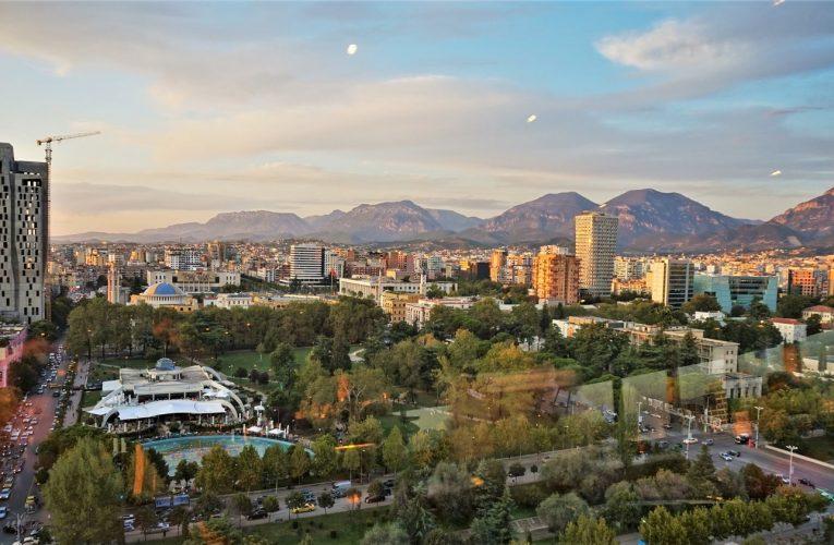 Qytetet më të pasura dhe me të verfëra të Shqipërisë